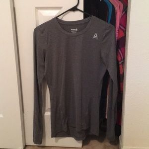 Reebok workout long sleeve tee